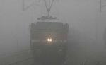 दिल्ली में कोहरा ,रेलगाड़यिों के आगमन में विलंब