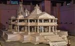 प्रयागराज माघ मेला में अयोध्या में बन रहे श्रीराम मंदिर के मॉडल का दर्शन