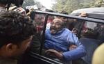 लखनऊ में अजय कुमार लल्लू गिरफ्तार, कहा- योगी सरकार कर रही है लोकतंत्र की..