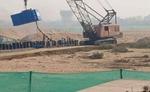 फल्गु नदी के सतही प्रवाह को रोककर जल संचयन के लिए रबर डैम का हो रहा निर्माण
