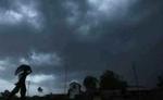 मौसम ने ली अंगड़ाई, कहीं रिमझिम तो कहीं झमाझम बारिश के आसार